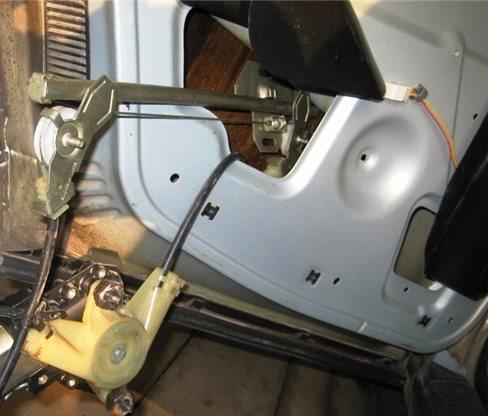Установка электростеклоподъемников в авто