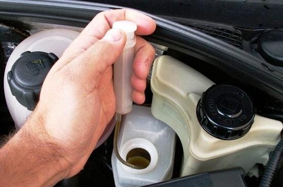 Замена тормозной жидкости в авто